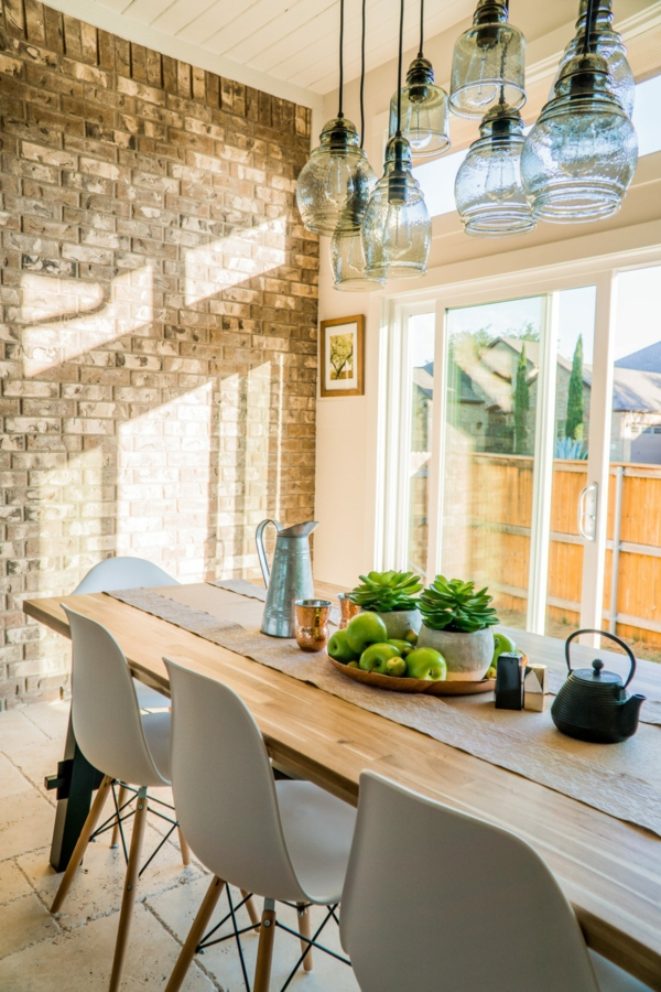 Tendances salle à manger 2020 lustre industriel plantes