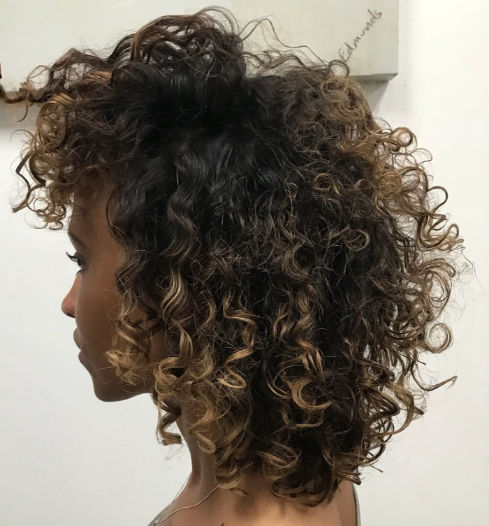 coupe cheveux bouclés boucles ombre