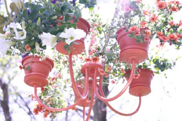 fabriquer une jardinière originale à partir d'un ancien lustre quatrième étape