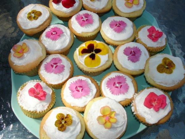 fleurs comestibles pour décorer des muffins