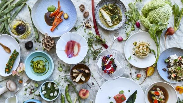 garnir des plats avec des fleurs comestibles