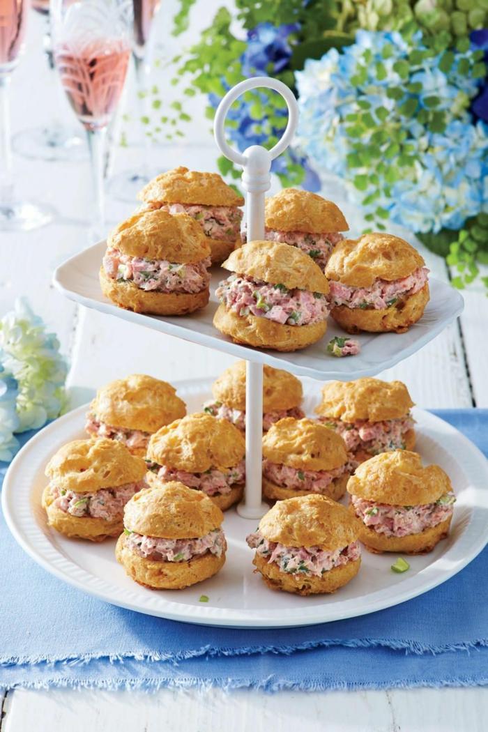 mini burgers au jambon idée brunch de pâques