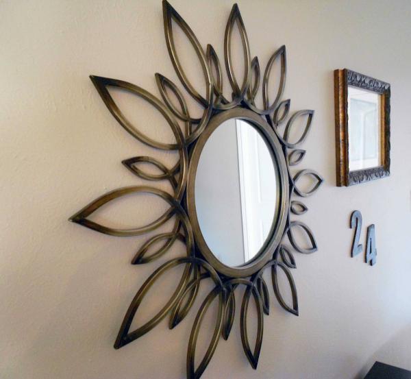 miroir décoratif mural une fleur asymétrique