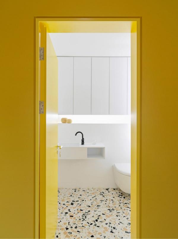 peinture appartement toilettes en blanc