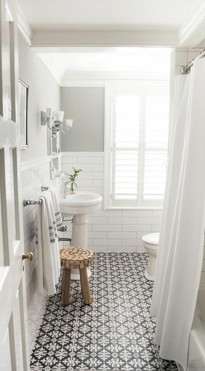 rénover le revêtement du sol home staging salle de bain