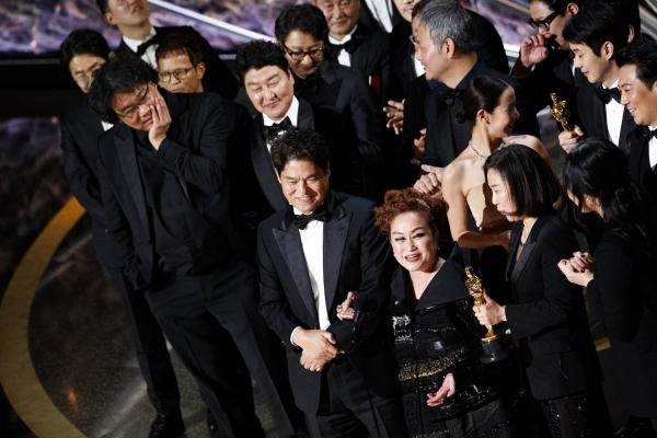 remise des Oscars 2020 équipe coréenne