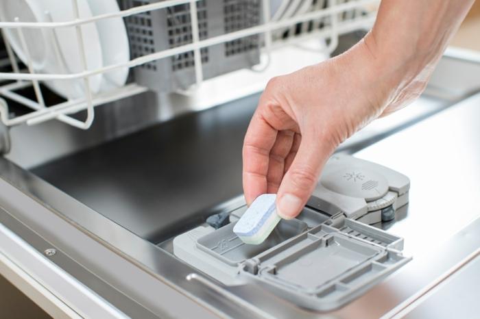 remplacer-les-produits-chimiques-pastille-lave-vaisselle-maison-diy