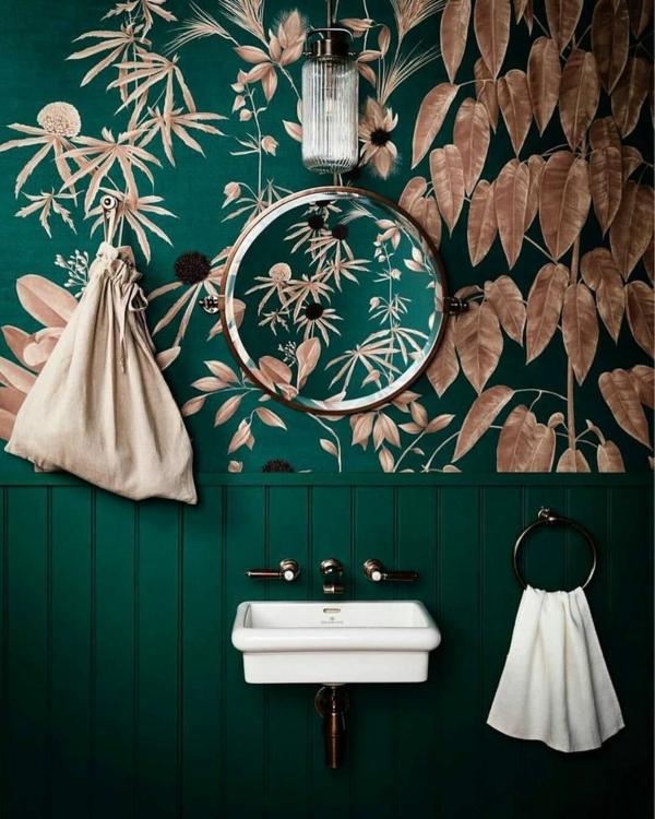 tendance déco intérieur biophilie salle de bain papier peint aux motifs végétaux