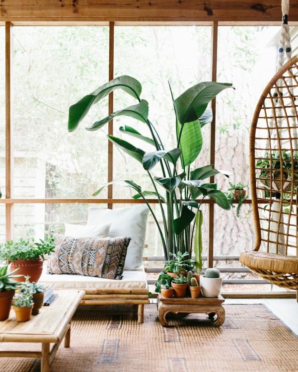 tendance déco intérieur biophilie salon meubles en bois plantes vertes