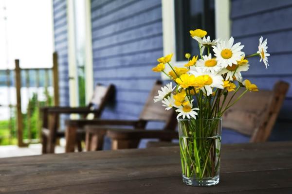 Prolonger la vie des fleurs coupées grâce au vinaigre