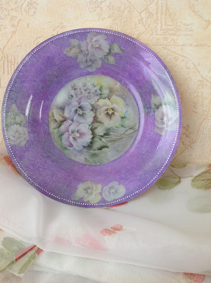 activité découpage de Pâques marli peint en lilas