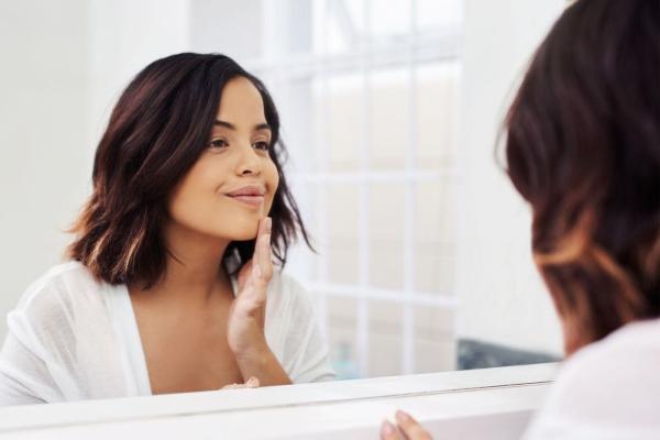 bakuchiol rendre la peau lisse