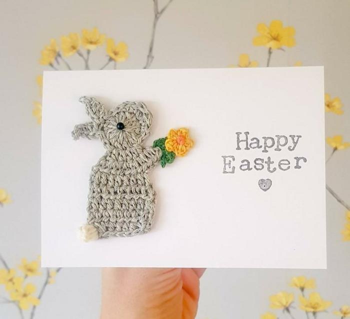 carte joyeuses pâques lapin en crochet