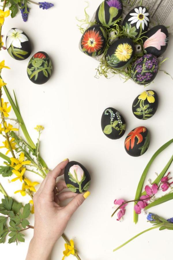 chasse aux oeufs de Pâques inspirés de l'imprimé botanique