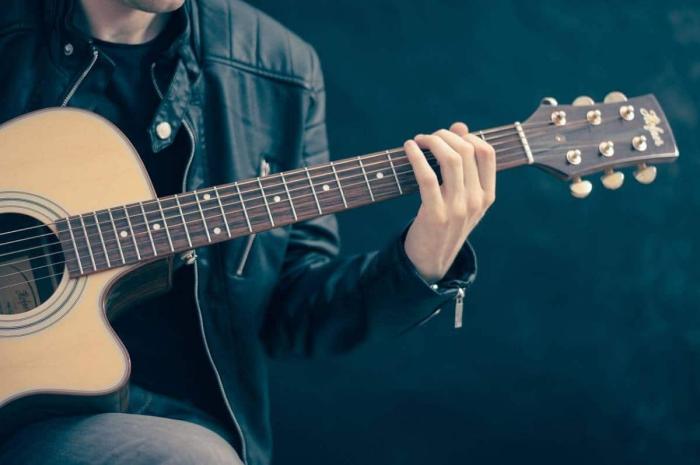 confinement jouer d'un instrument de musique