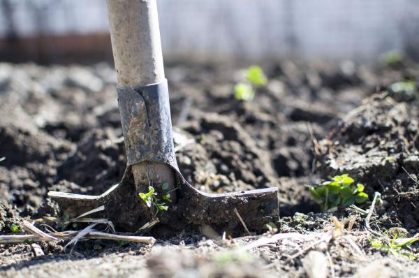 construire un mur de soutènement jardin lois locales