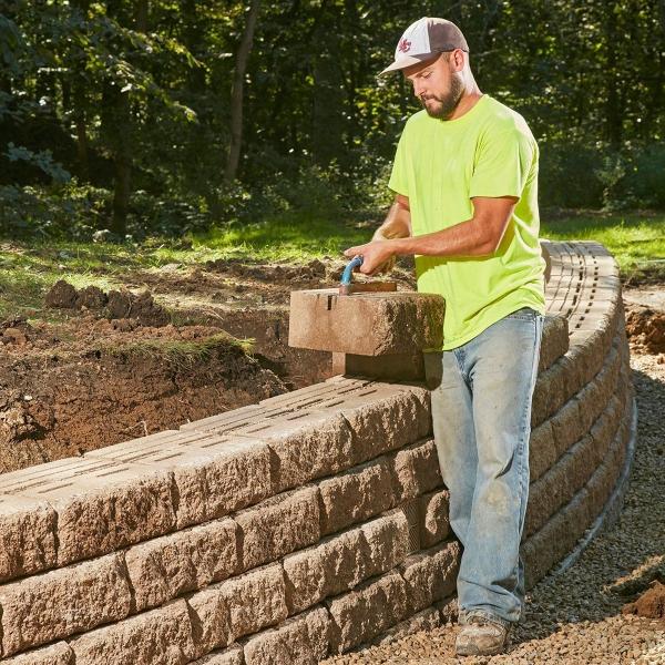 construire un mur de soutènement jardin