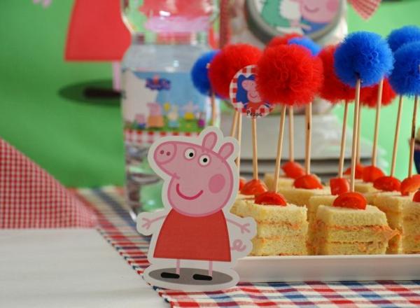 déco anniversaire peppa pig menu sandwiches