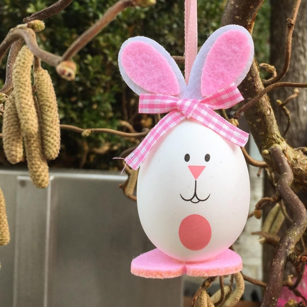 déco de pâques extérieur et jardin lapin suspendu en polystyrène