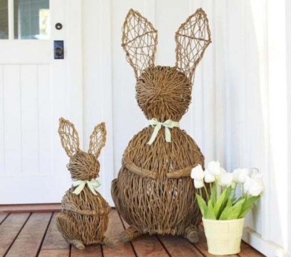 déco de pâques extérieur et jardin lapins tressage