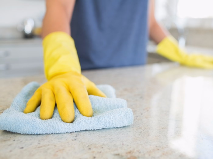 désinfecter essuyer la poussière