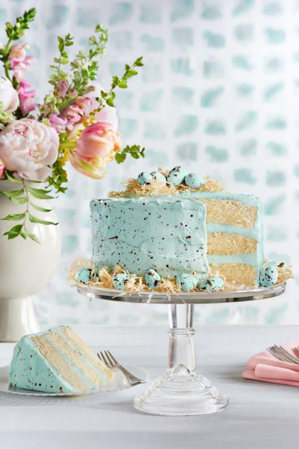 dessert de Pâques garni à la crème au beurre