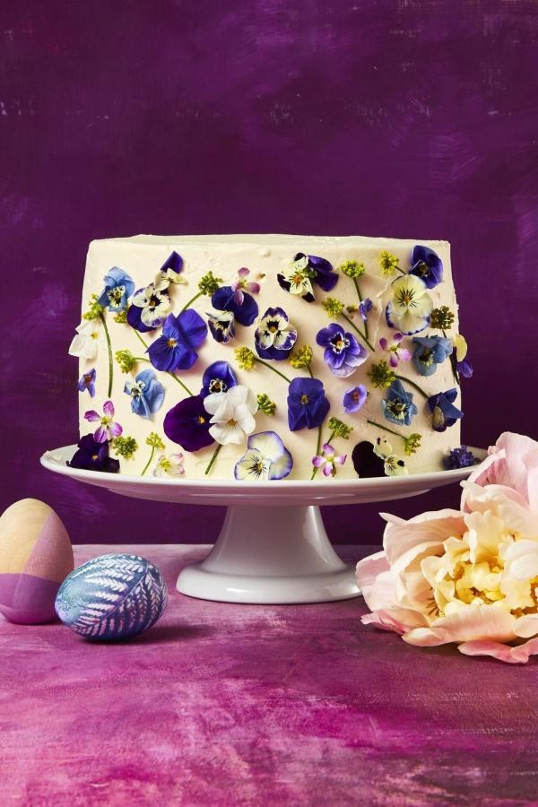 dessert de Pâques un gâteau à la vanille