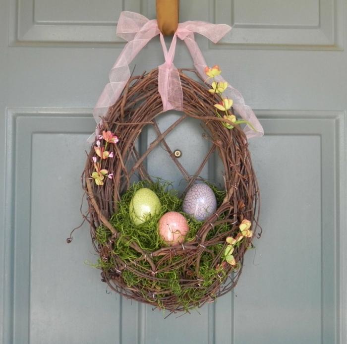 diy nid de pâques à accrocher à la porte d'entrée