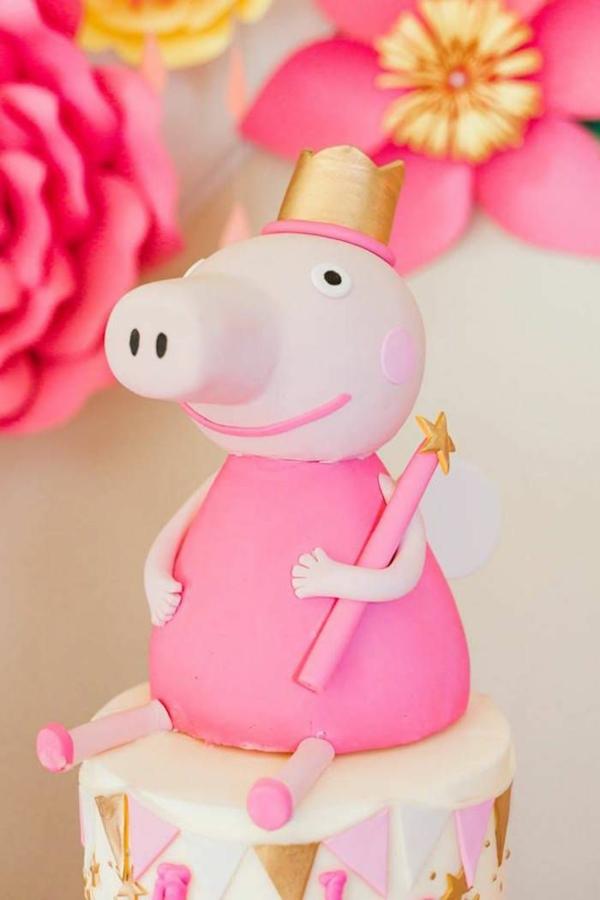 gâteau peppa pig figurine en pâte à sucre