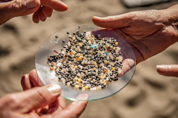 granules de microplastique