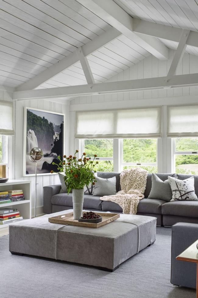 idée déco salon gris du plafond au sol