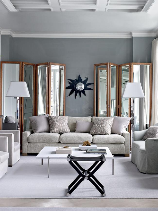 idée déco salon gris grands miroirs