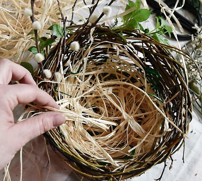 nid de pâques déco paille décorative