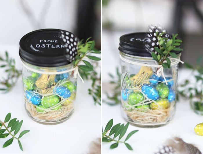 nid de pâques dans un bocal en verre