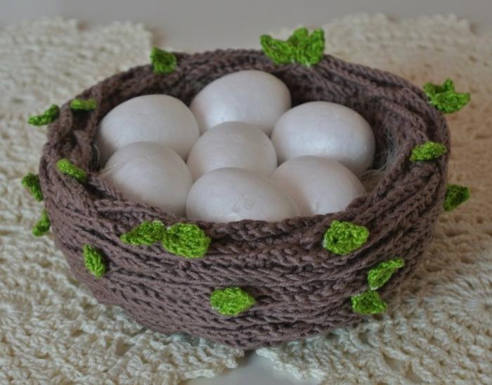 nid de pâques original et très joli tricotage
