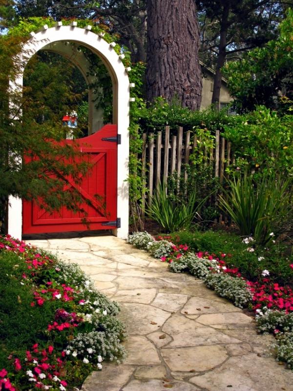 portillon de jardin en bois avec arche
