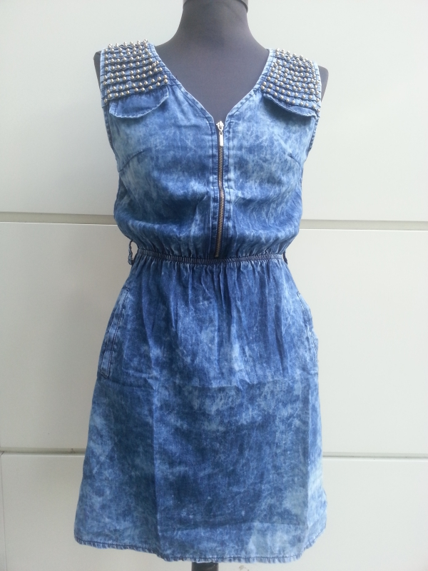 vêtement personnalisé une robe délavée
