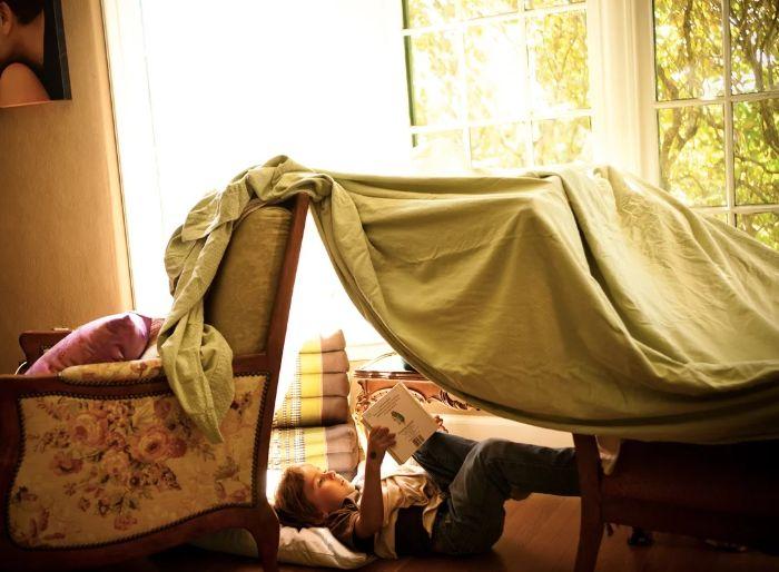 chaises et plaids idée diy cabane intérieur enfant