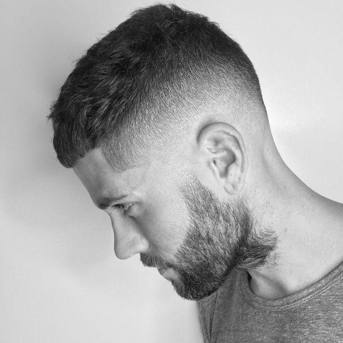 coiffure moderne coupe homme dégradé idée 2020