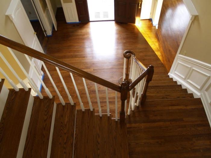 comment rénover une maison escalier et plancher en bois