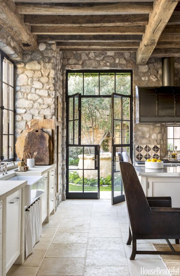 cuisine chalet murs en pierre