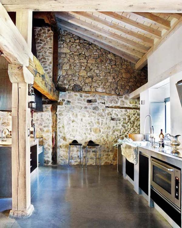 cuisine chalet plafond rénové
