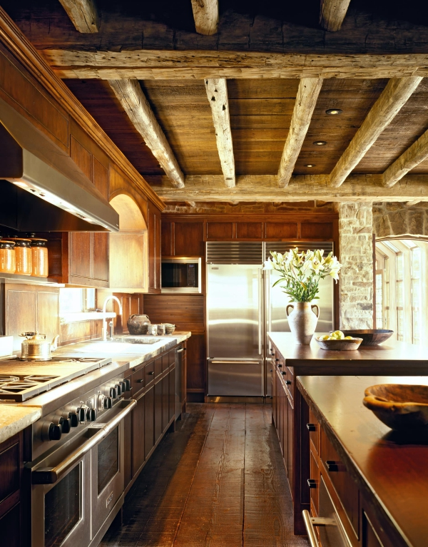 cuisine chalet tout revêtu en bois