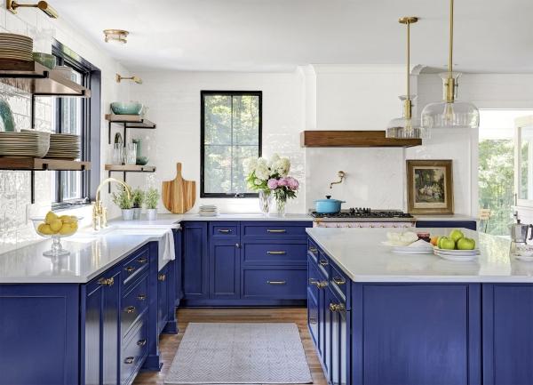 cuisine moderne 2020 en bleu et blanc