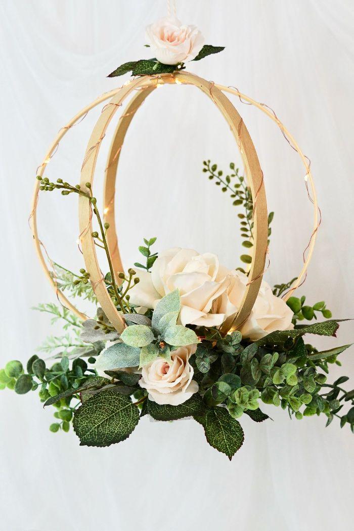 déco florale mariage avec tambour à broder