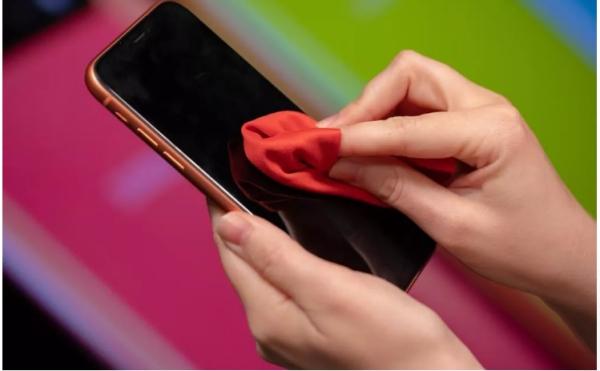 désinfecter un téléphone une matière douce