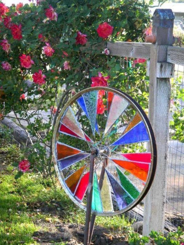 diy déco jardin roue de bicyclette verre pour vitrail
