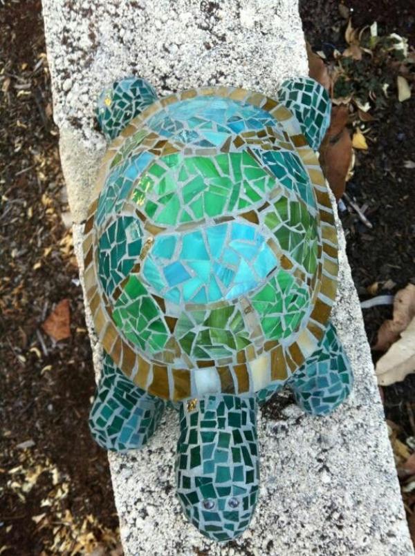 diy déco jardin tortue de béton et verre pour vitrail
