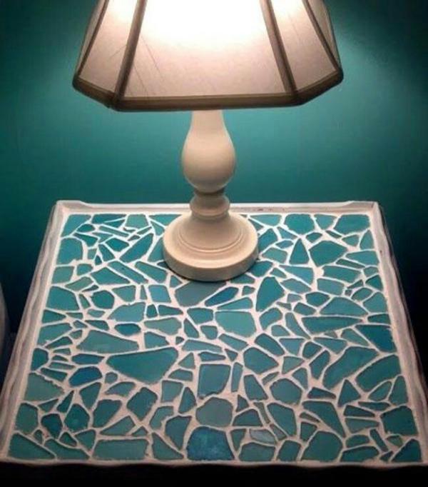 diy déco table de chevet décorée de verre pour vitrail