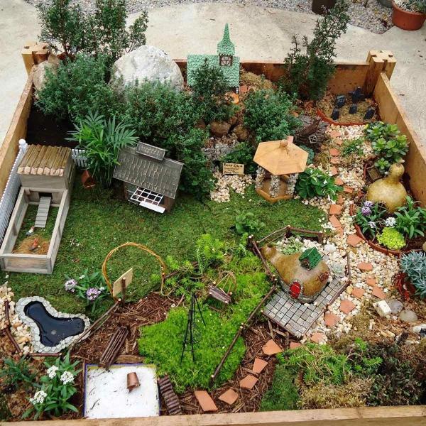 diy jardin de fée avec église kiosque et poulailler
